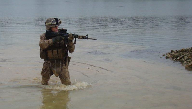 Marines en A-stan Redfuel_usmc